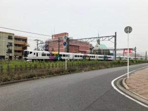 君津駅を発射するE257系0番台