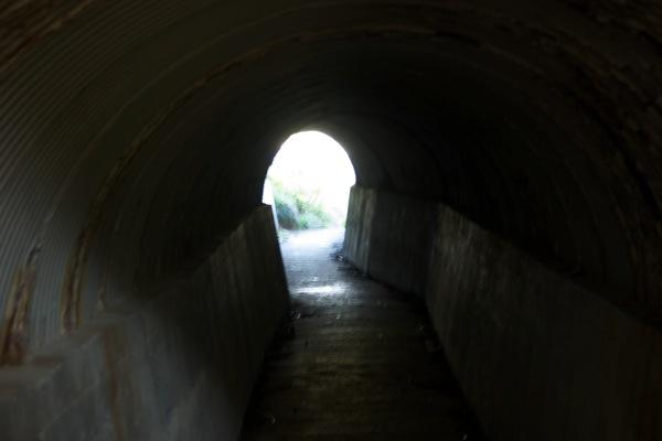トンネルを抜けると