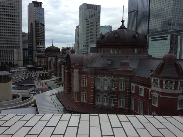 domPierre Heart KITTEからの東京駅舎
