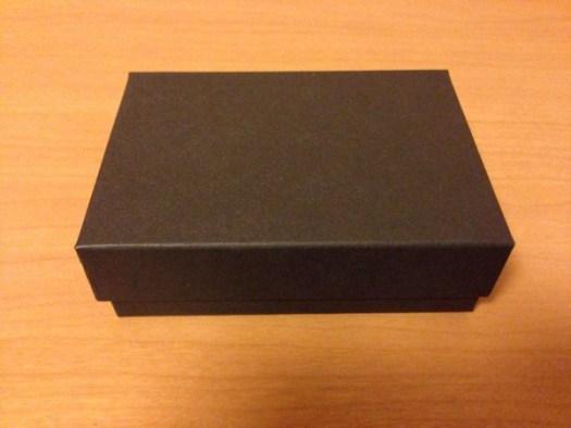 小さい財布の外箱