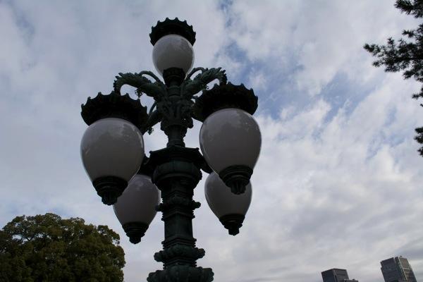 二重橋の電灯