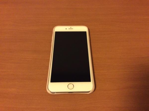 ケース装着後のiPhone 6 Plus