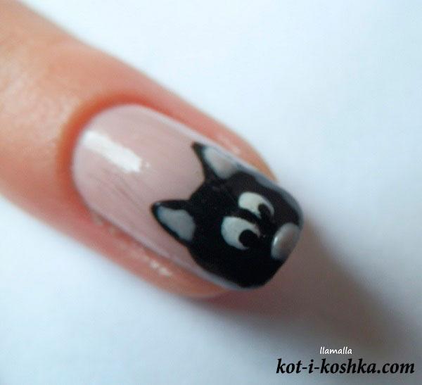 мордочка кота на ногтях
