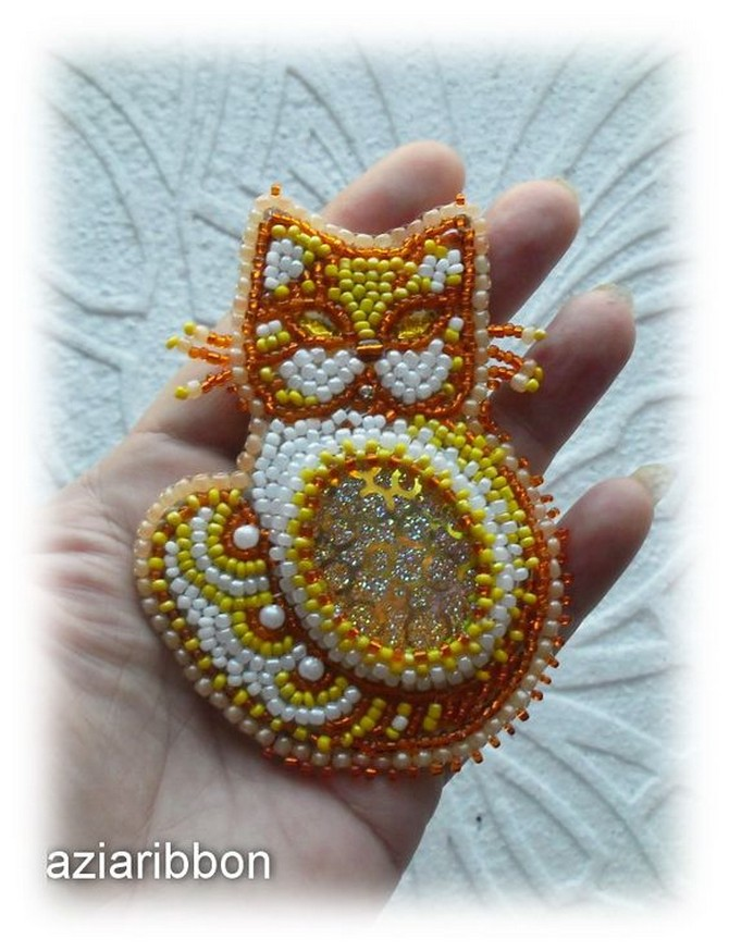beaded_brooch_cat-11