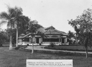 1915-1940 The house of the Central Hospital's doctor 'H C van Royen', Tebing Tinggi