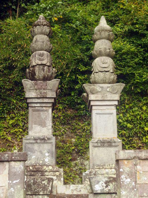 薬王寺 蒲生家の宝筐院塔