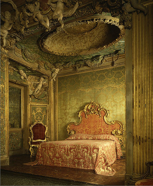 ヴェネツィアンバロックの寝室