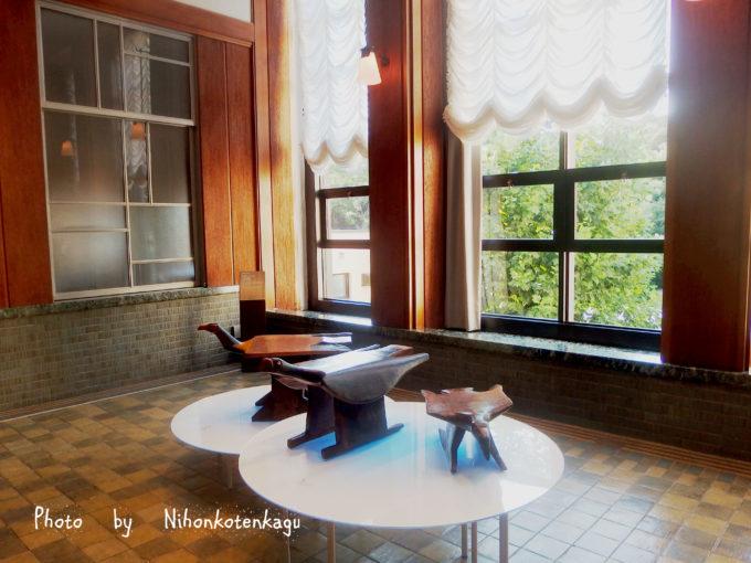 ブラジルの先住民の椅子展 東京都庭園美術館 会場