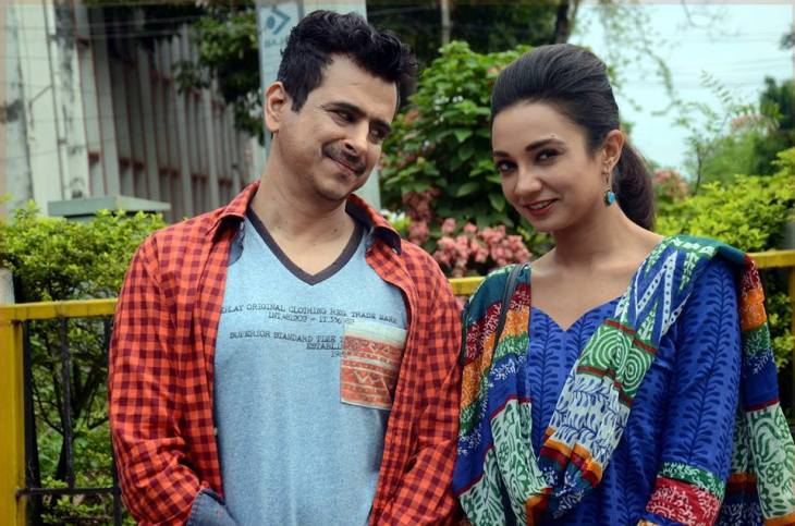 Dr Palash Sen and Ira Dubey in 'Aisa Yeh Jahaan'