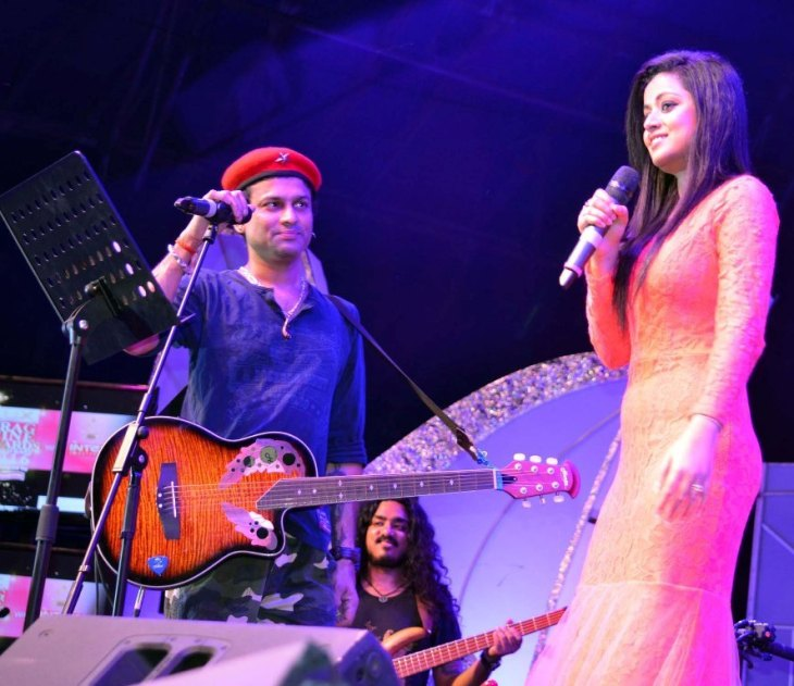 Singer Zubin Garg and Priyanka Bharali perform during Prag Cine Award in Tezpur on 14-05-16. Pix by UB Photos