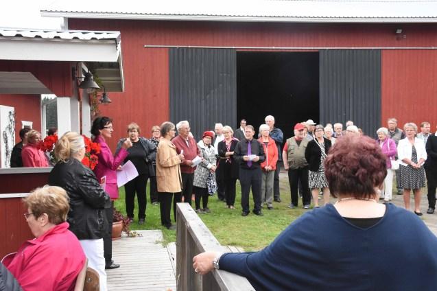 Ritva Martikainen avasi Viinimarjassa pidetyn maakuntajuhlan.