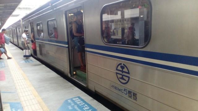高雄から台南の電車