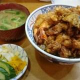 天藤(浅草)にて天丼を食べる。浅草の老舗、二代目の味。
