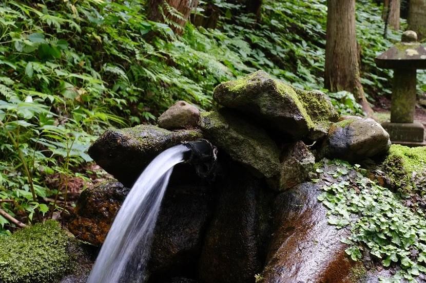 小僧大滝の清水の写真