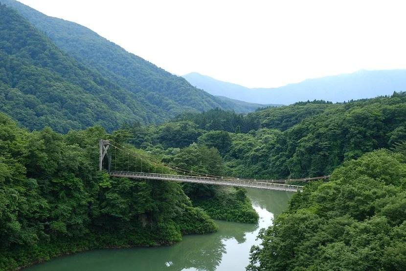 鳴子ダムの荒尾湖7月の風景写真