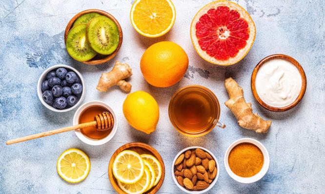 Coronavirus: Με αυτές τις τροφές ενισχύεται το ανοσοποιητικό σύστημα ενόψει του δύσκολου χειμώνα