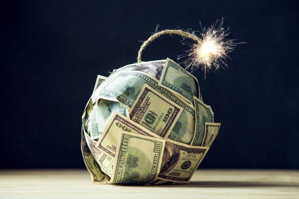 Το παγκόσμιο χρέος και οι κίνδυνοι για οικονομίες-ζόμπι