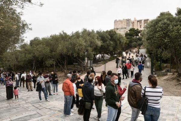 Παγκόσμια Ημέρα Μνημείων: Ουρές στο Μουσείο της Ακρόπολης λόγω δωρεάν εισόδου