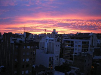 One of my first sunsets in Barcelona. Still I get a vague feeling of loneliness each time I see it.