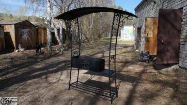 Мангал кованый с крышей от Кузницы Урала. Также делаем ворота, заборы, ограждения, перила и другие изделия из художественной ковки.