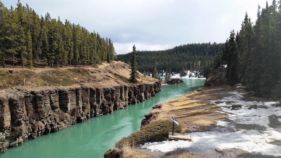 Canyon au Yukon eau turquoise