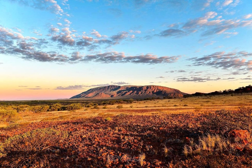 mont augustus coucher de soleil sunset monolithe national park western australia pvt backpacker