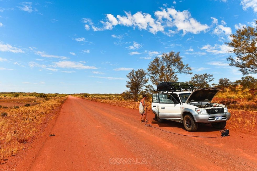 route mont augustus tom price gravel road desert western australia pvt backpacker