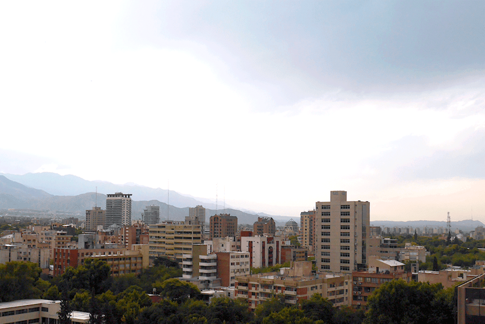 Vue depuis la terraza mirador de la munipalité de Mendoza, en Argentine