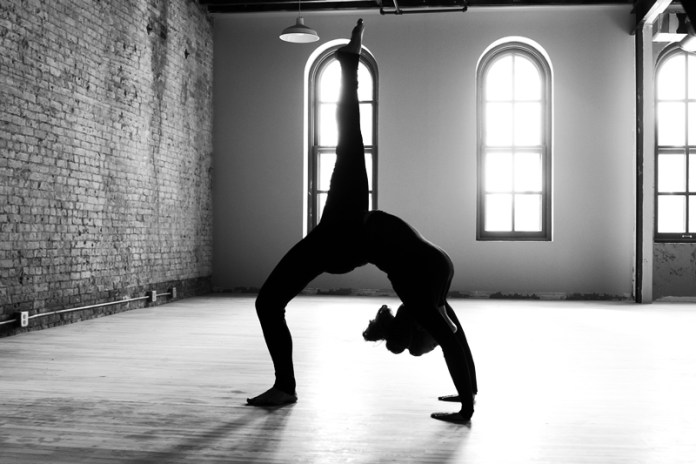 Carrie_Yoga_shoot_002_(8328572519)