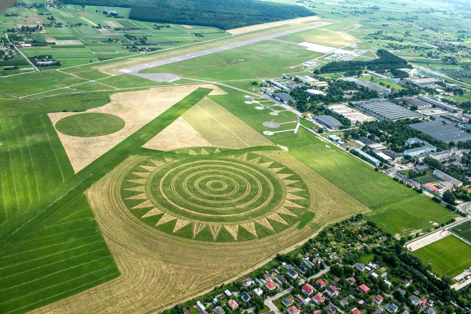 Landart na lotnisku 1