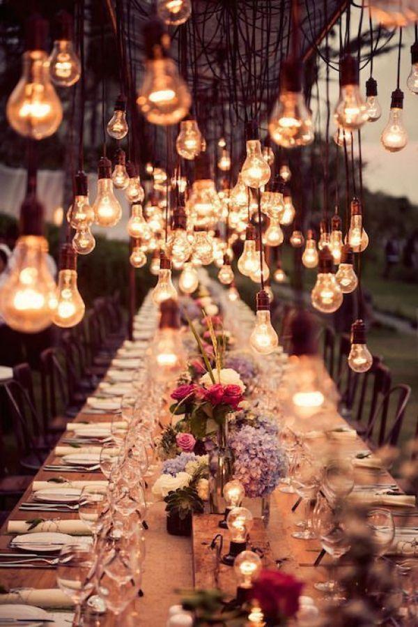 Miles de bombillas