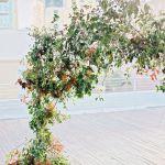 porton de flores y rosas para tu boda