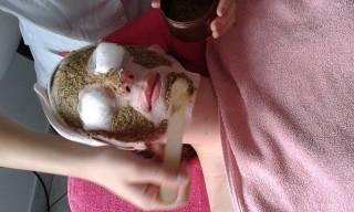 Tretman lica HERBAL sa nastave specijalnih tretmana lica na smeru kozmeticar esteticar