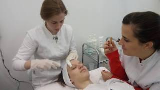 Elektoforeza vitamina C – tema predavanja na smeru estetičar-kozmetičar II godina