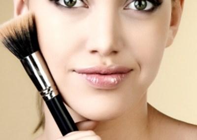 Ovim trikovima vaša šminka će biti dugotrajnija