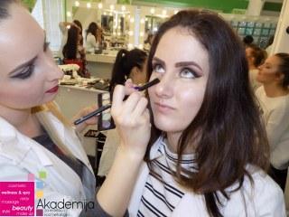 PREPOZNATLJIV STIL ŠMINKANJA – prva godina, smer Makeup artist