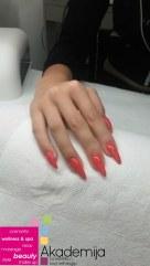 CRVENI STILETO NOKTI – sa nastave na kursu Nadogradnja noktiju sa nail art-om