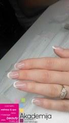 NADOGRADNJA I OJAČANJE NOKTIJU – sa nastave na kursu nadogradnje noktiju sa nail art-om