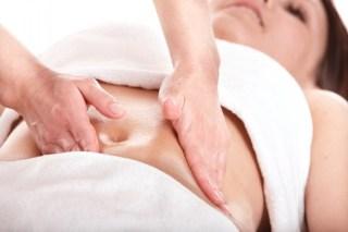Kako se radi masaža stomaka