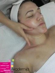Kako masažom ukloniti bore