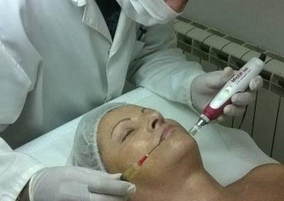 TRETMAN KRVNOM PLAZMOM – kombinovani antiage tretman