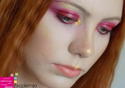 ŠMINKA ZA MODNU FOTOGRAFIJU – sa nastave na kursu scenske šminke