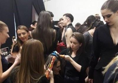 HUMANITARNA REVIJA – za šminku i frizuru zaduženi polaznici Akademije