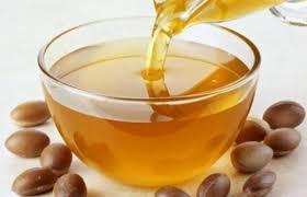Kako spasiti kosu arganovim uljem