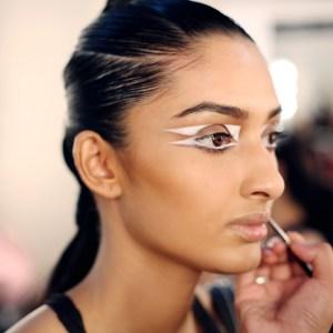 trend geometrijskog šminkanja