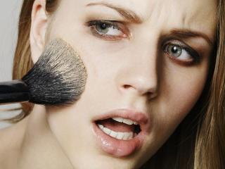 NEŽELJENA DEJSTVA KOZMETIČKIH PREPARATA – različite reakcije kože