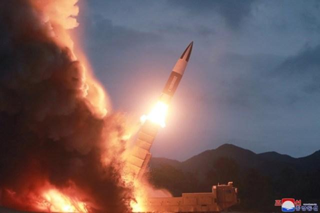 Як Північна Корея випробовує нову зброю