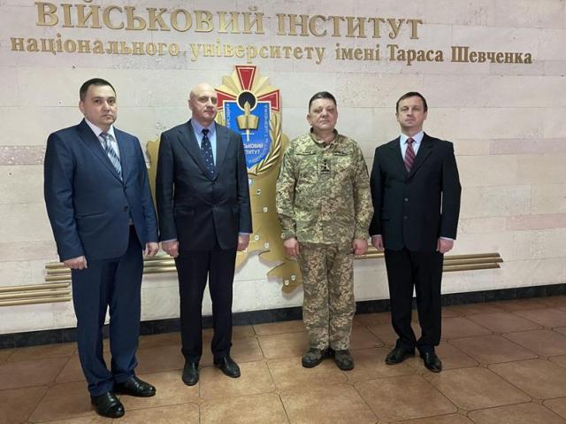 Як робота кількох науковців змінила військову науку України