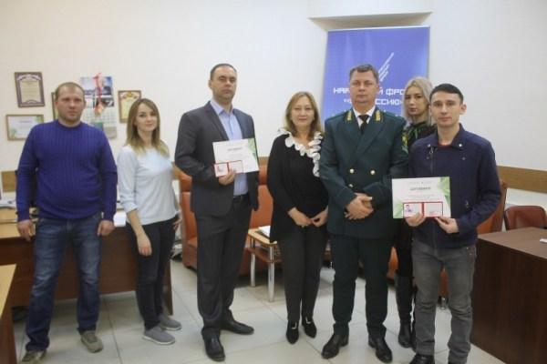 Астраханские активисты ОНФ получили удостоверения общественных экологических инспекторов