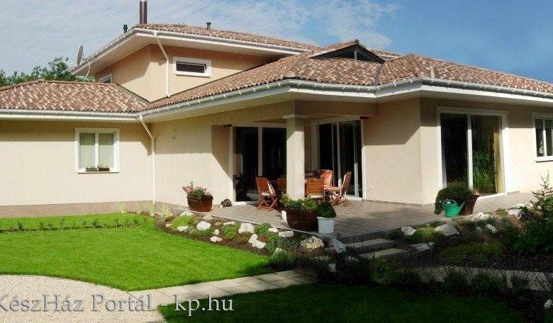 Photo of Mediterrán családi ház Pest megyében